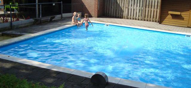 Kinderbad, 35 cm. diep